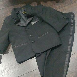 Infant suit 3 piece set like new black
